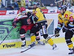 Litvínov (ve žlutém) zahájí play off v Hradci Králové v pondělí.