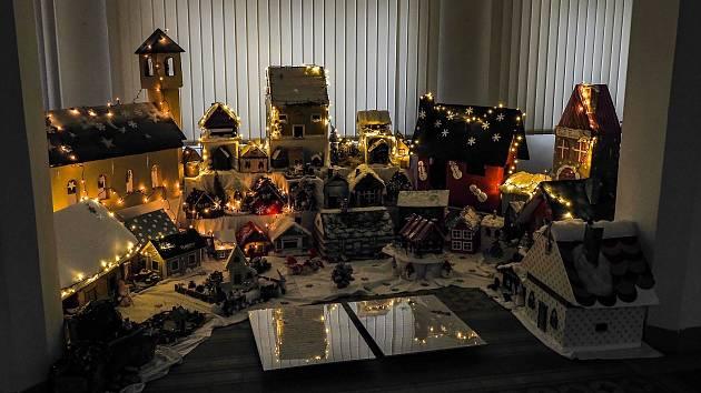 Minivýstava Vánoční městečko v Oblastním muzeu a galerii v Mostě.
