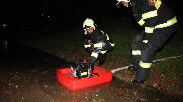 Bouře zaměstnala i mostecké hasiče