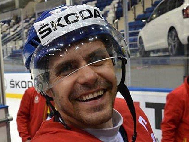 Hokejový šampionát pohledem českých fanoušků přímo v Minsku. Zdravice s kapitánem českého nároďáku Tomášem Rolinkem.