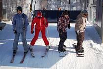 Tři, dva, jedna, jedeme? Kdepak. Počasí začátek lyžařské sezony oddaluje.