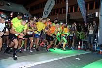 Ze zážitkového nočního běhu Night Run v Mostě