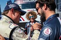 Manager Buggyry Jan Kalivoda (vpravo) se raduje s pilotem Adamem Lackem.