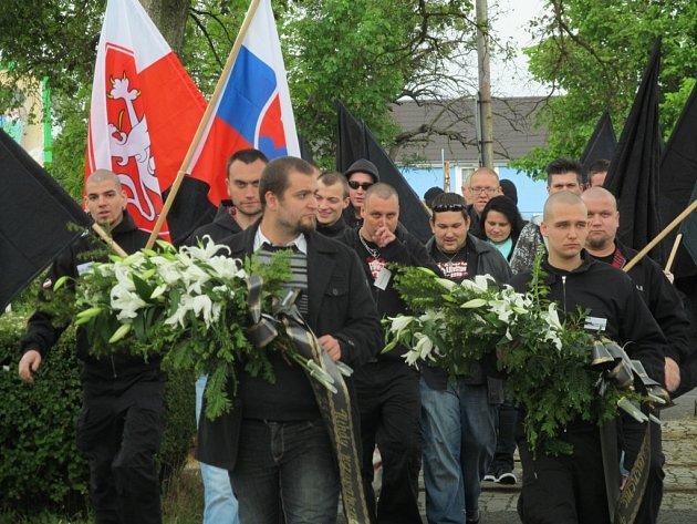 Sobotní pochod Litvínovem.