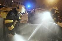 Hasiče během vánočních svátků čtyřikrát zaměstnaly požáry kontejnerů. V Postoloprtech hořely třikrát.