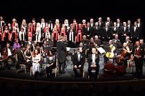 Účinkující na vánočním koncertu v Městském divadle v Mostě.