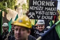 Demonstrace horníků z OKD kvůli věku odchodu do důchodu v září 2015 v Praze.