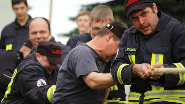 Loni závodili na Kateřinské slavnosti i hasiči ze sousedního Saska.