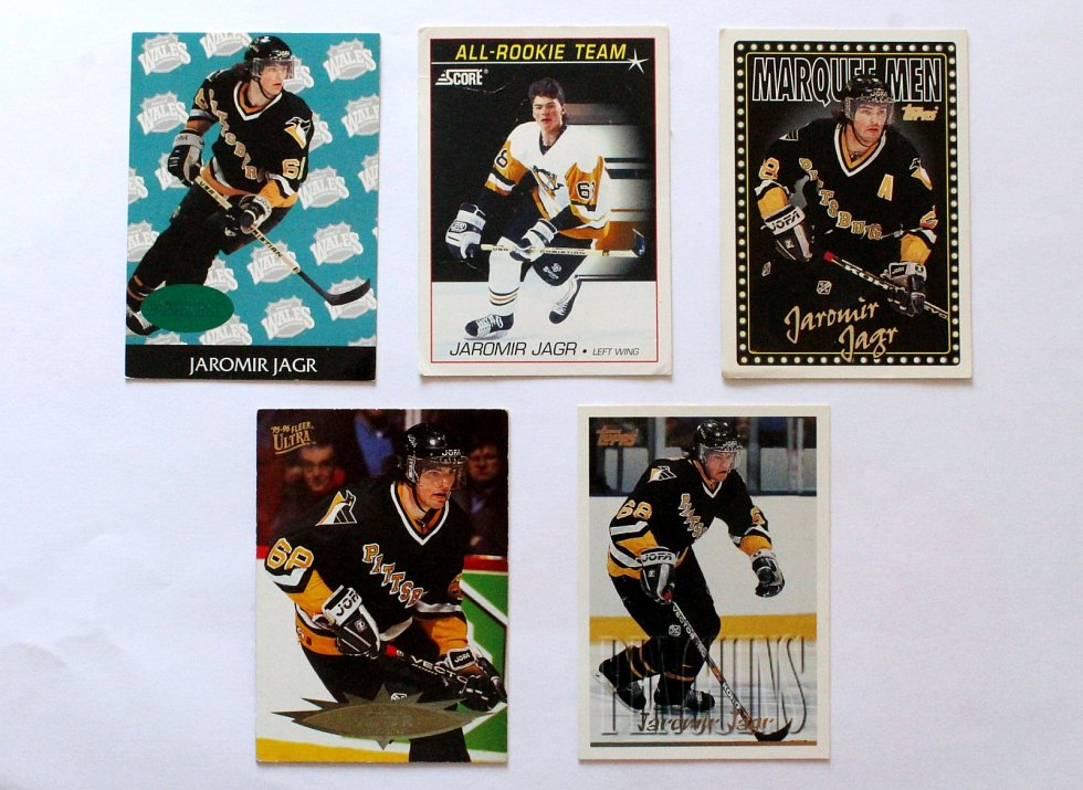 Sportovní kartičky se vrací. Vyráběly se, stále vyrábí a sbírají i u nás. Jaromír Jágr na kartičkách NHL.