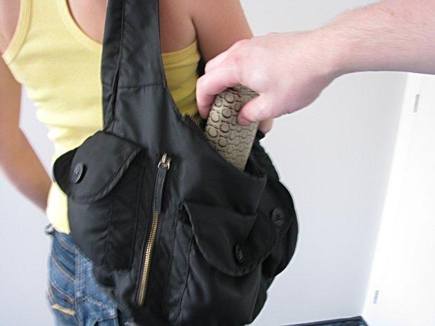 Pozor i na krádeže věcí z tašek.