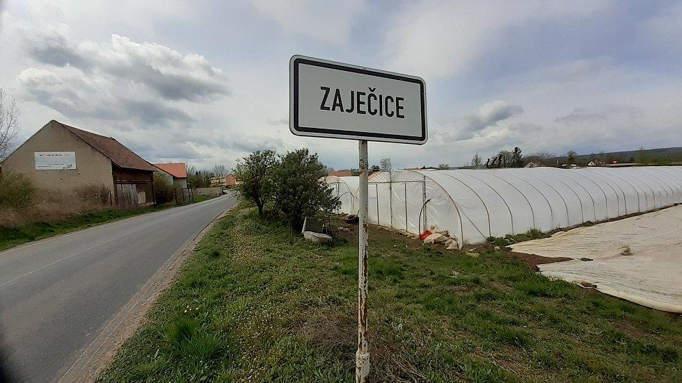 K obci Bečov u Mostu patří víska Bělušice.
