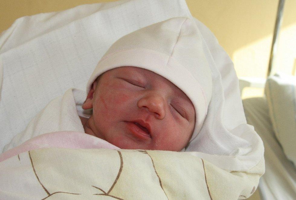 Petra Turečková se narodila 4. března 2021 v 1.02 hodin rodičům Lence a Zbyňkovi Turečkovým. Měřila 47 cm a vážila 2,78 kg.