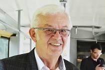 Jiří Biolek, kandidát za STAN v krajských volbách, vyjádřil solidaritu Aleně Dernerové a jejím odvolaným kolegům.
