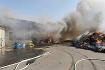 Požár na skládce Celio