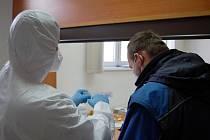 Dopravní podnik měst Mostu a Litvínova již v pátek zahájil testování zaměstnanců.