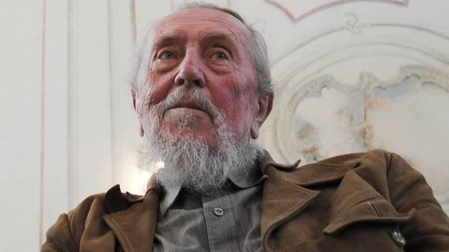 Sochař Stanislav Hanzík oslavil 90 let.