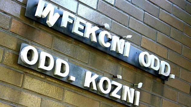 Uzavřené infekční oddělení mostecké nemocnice.
