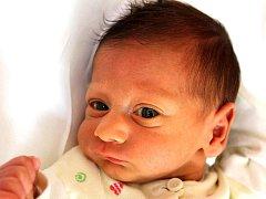 Mamince Tereze Balogové z Ústí nad Labem se v Mostě 14. března ve 13.20 hodin narodil syn Saymon Balog. Měřil 45 centimetrů a vážil 1,94 kilogramu.