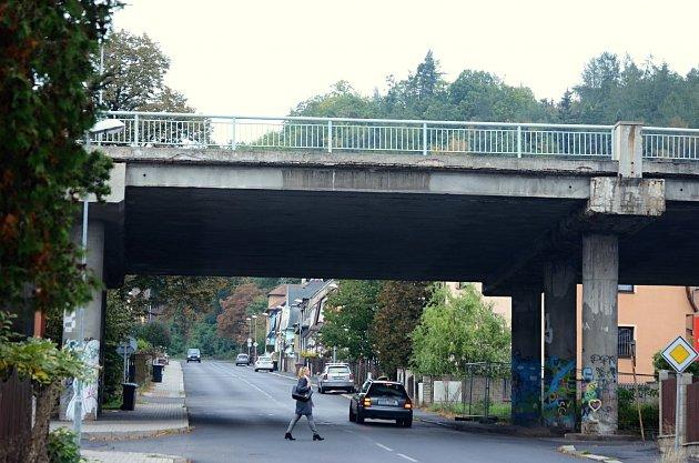Most vMezibořské ulici vLitvínově čeká demolice. Nahradí ho most nový