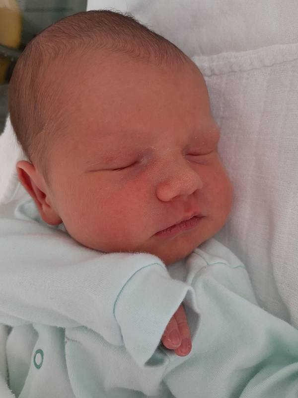 Vojtěch Mader se narodil mamince Janě Vrbánkové z Mostu 23. prosince v 17.25 hodin. Měřil 53 cm a vážil 3,78 kilogramu.