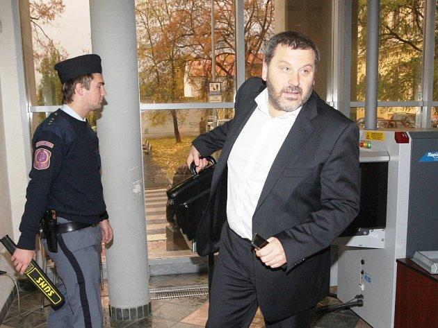 Alexandr Novák byl odsouzen za přijeti čtyřicetimilionového úplatku.