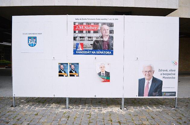 Veřejná plocha na volební plakáty na 1.náměstí.