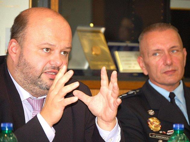 Ministr Martin Pecina a Jiří Komorous oznámili v Mostě spuštění projektu Úsvit.