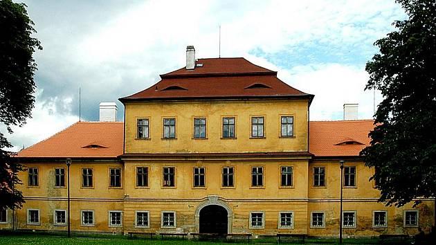 Zámek ve středu města Litvínova.