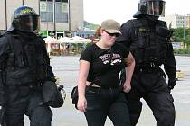Nepovolená demonstrace příznivců krajní pravice a neonacistů zadržených při policejní akci Power v Mostě. Skončila zatýkáním účastníků v centru Mostu, kteří neuposlechli výzvy k jejímu rozpuštění.