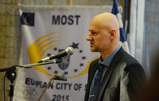 Josef Fiala zMostu požádal městské zastupitelstvo ořešení potíží vsociálně vyloučených lokalitách