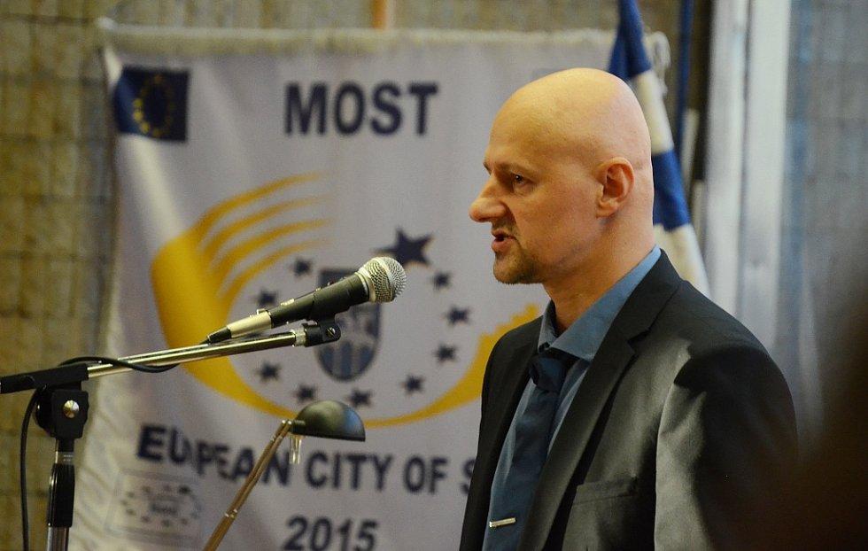 Josef Fiala z Mostu požádal městské zastupitelstvo o řešení potíží v sociálně vyloučených lokalitách