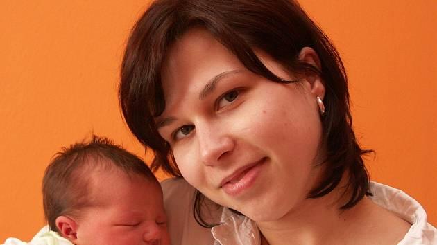 Mamince Petře Geistové z Mostecka se 8. dubna v 9.11 hodin narodila dcera Adéla Havlíčková. Měřila 52 centimetrů a vážila 3,6 kilogramu.