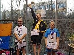 Kamila Javorková (uprostřed) slaví jeden ze svých šesti mistrovských titulů.