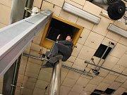 Profesionální hasiči z mosteckých Velebudic zvou na návštěvu
