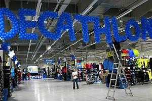 Sportovní prodejna Decathlon.