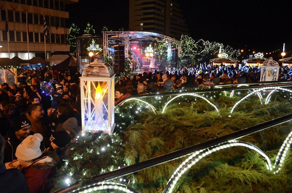 1. adventní neděle na 1. náměstí v Mostě