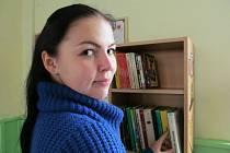 Knihovna loni v říjnu také umístila malou knihovničku na nádraží v rámci projektu Kniha do vlaku. Cestující si mohou knihy půjčovat zdarma.