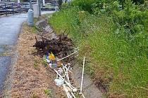 Cílem vandalů se stalo zabezpečovací zařízení pro obsluhu výhybky na tramvajové dráze před mosteckým kolejovým křížením u bloku 100