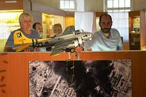 Ve čtvrtek byl do expozice v Mezinárodním památníku obětem II. světové války v Mostě umístěn model amerického bombardéru B – 17 Flying Fortress. Slavnostní akt provedl mostecký primátor Jan Paparega.