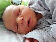 Kryštof Lukáš Husák se narodil mamince Lucii Smetanové z Teplic 12. prosince 2017 ve 13.45 hodin. Měřil 51 cm a vážil 3,37 kilogramu.