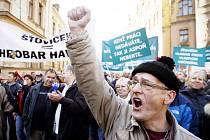 Demonstrace horníků z Czech Coal v Praze v roce 2012.