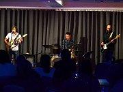 Na Benediktu vystoupil kytarista a zpěvák Chris Bergson