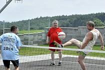V Nové Vsi v Horách se uskutečnil nohejbalový turnaj trojic