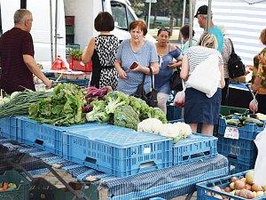 Farmářský trh v Mostě na náměstí