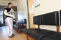 Čekárna v mostecké nemocnici.
