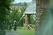 Požár v areálu pravoslavného kostela v Mostě.