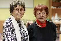 V Litvínově byly oceněny hned dvě čtenářky- seniorky. Růženka Kadaníková (vlevo) a Vlasta Bártová