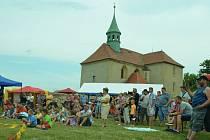 V Bedřichově Světci byla pouť, otevřel se kostel.