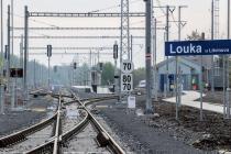 Trakční vedení trati Oldřichov u Duchcova – Litvínov je již pod napětím.