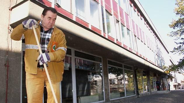 Budova DHO, ktará by měla být úřadem práce zrekonstruována.